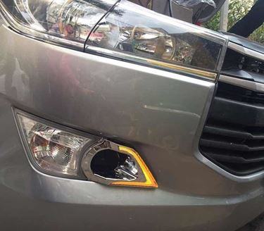 Picture of Toyota Innova Crysta DRL light