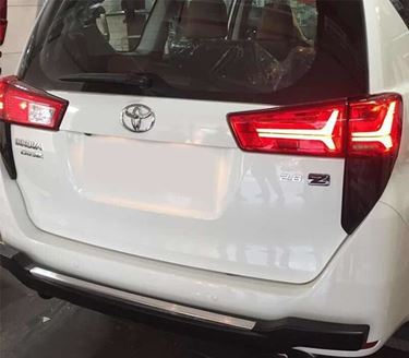 Picture of Toyota Innova Crysta tail light